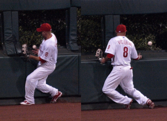 1023 Victorino dropped ball.jpg